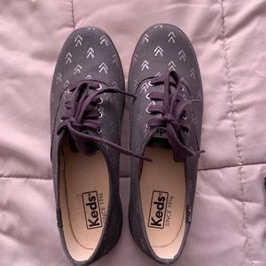 Gray arrows Keds shoes sneakers